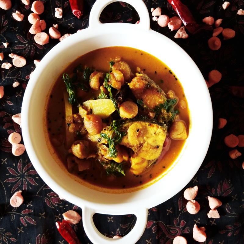 How to make Bori diye Macher Jhol (Fish Curry with Lentil Dumplings)
