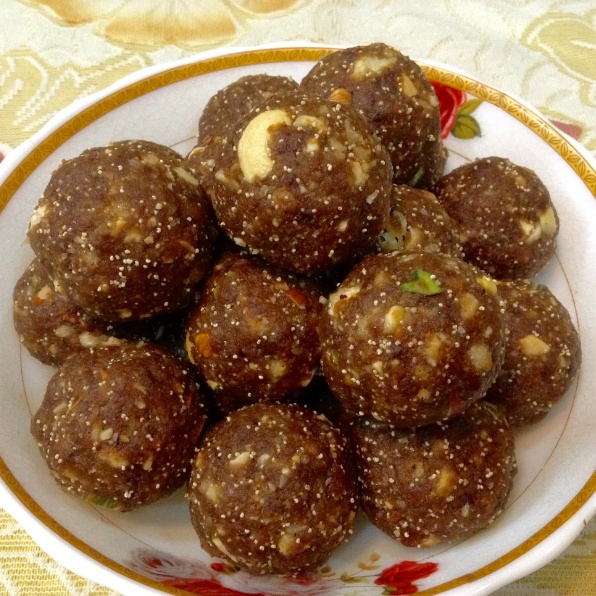 How to make gud ke laddoo - jaggery laddoo