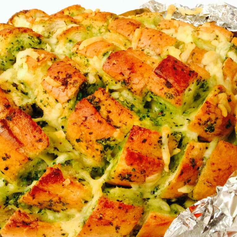 Photo of Pull apart cheesy garlic bread by Delicacies On The Plate - Pallavi's Kitchen at BetterButter