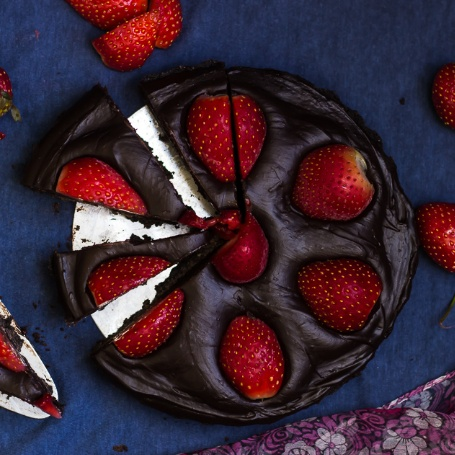 How to make No Bake Chocolate Strawberry Tart
