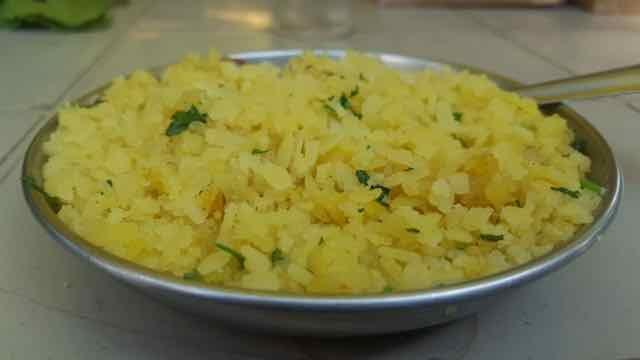 How to make kanda poha.