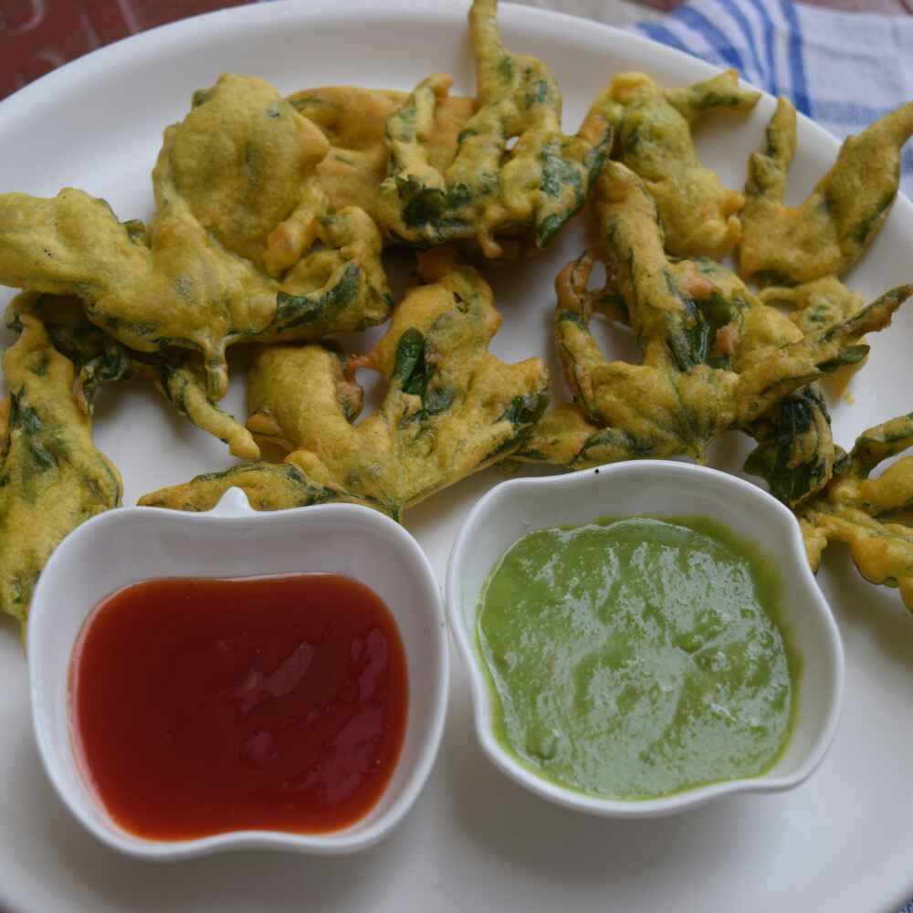 Photo of Krispi karele ke patte ke pakode/karele ke patte ke bhajiya/helthi bhajji by Dhara joshi at BetterButter
