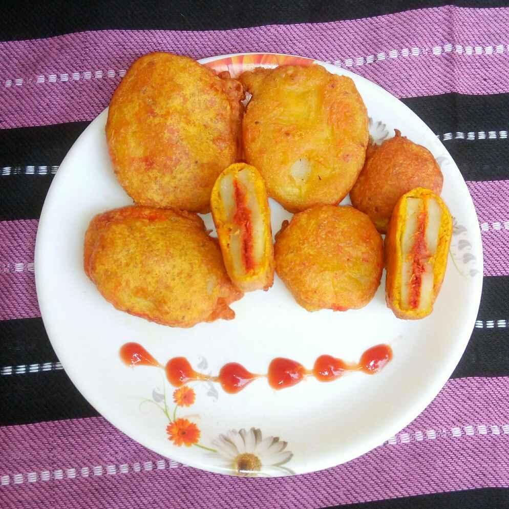Photo of Garlicky Potato Sandwich Bhajiya by Dipali Modi at BetterButter