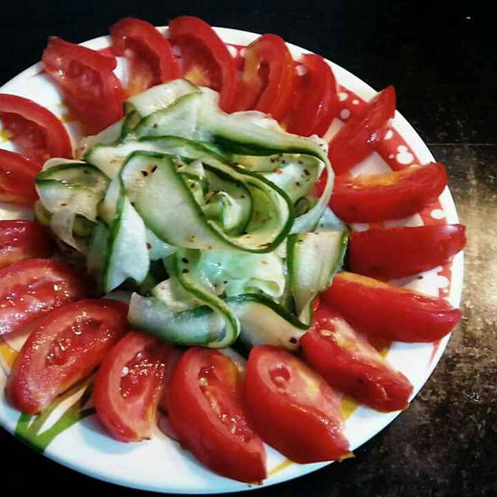 How to make Cucumber and tomato salads