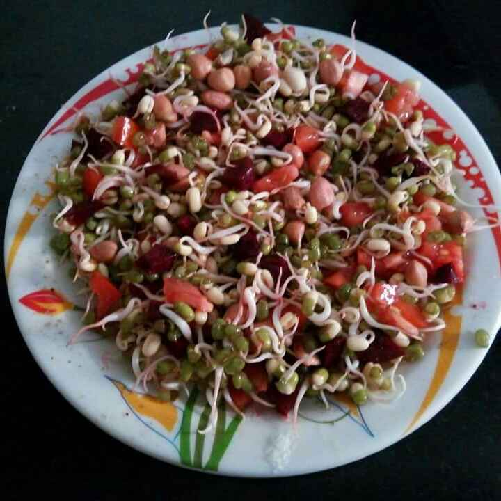 How to make Peanut and sprouts salads
