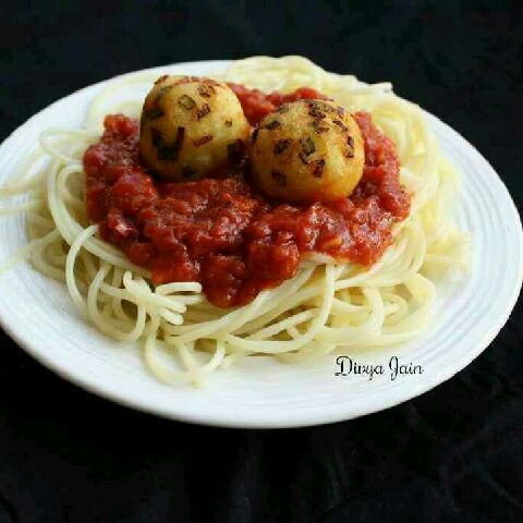How to make Spaghetti Bolognese with Golden Paneer Balls