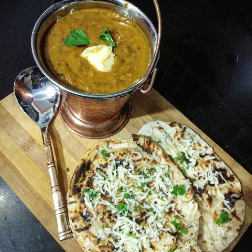 Photo of Dal makkjani with tandoori roti by Divya Chetnani at BetterButter