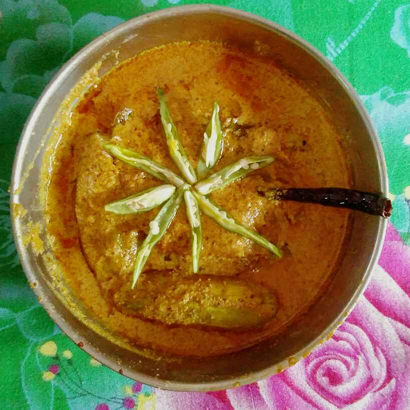 How to make Oil parwal