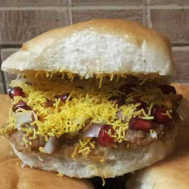How to make Kutchi Dabeli
