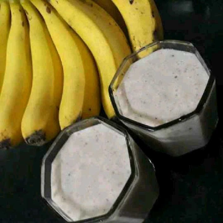 How to make Banana dates milkshake
