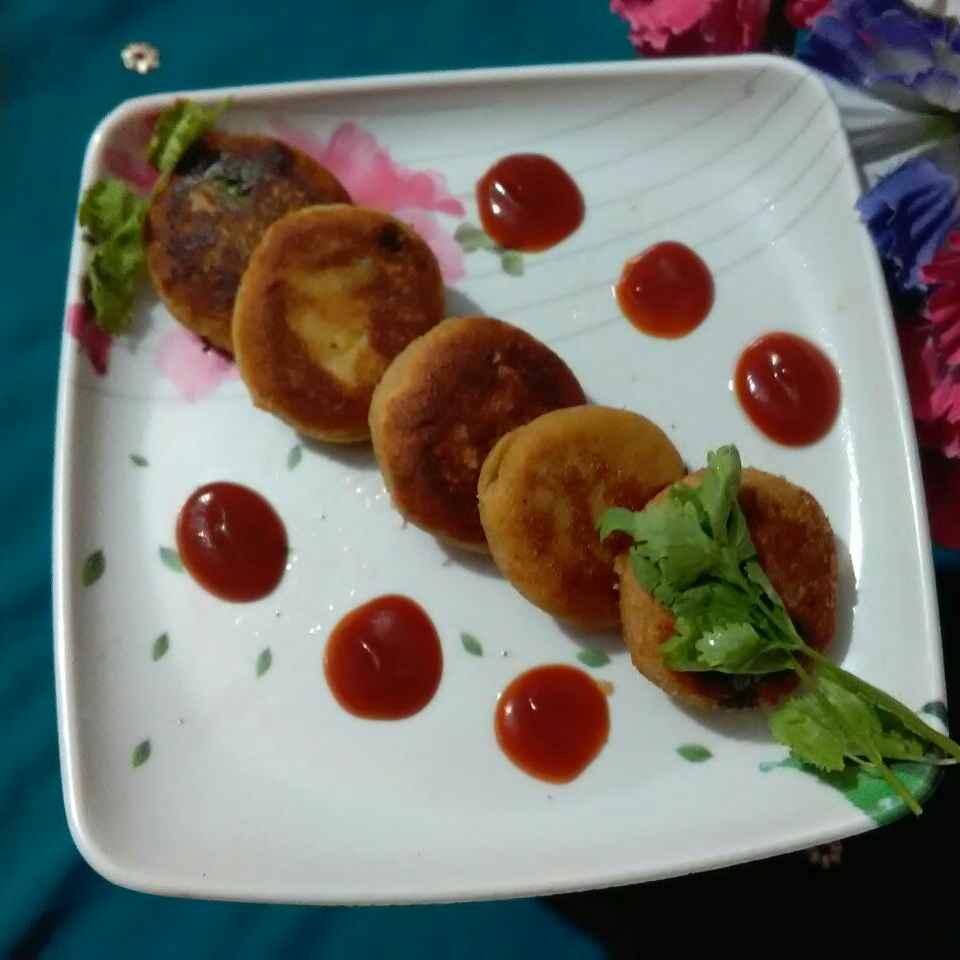 Photo of Leftover dahi ke stafad drfrut kabab by Ekta Sharma at BetterButter