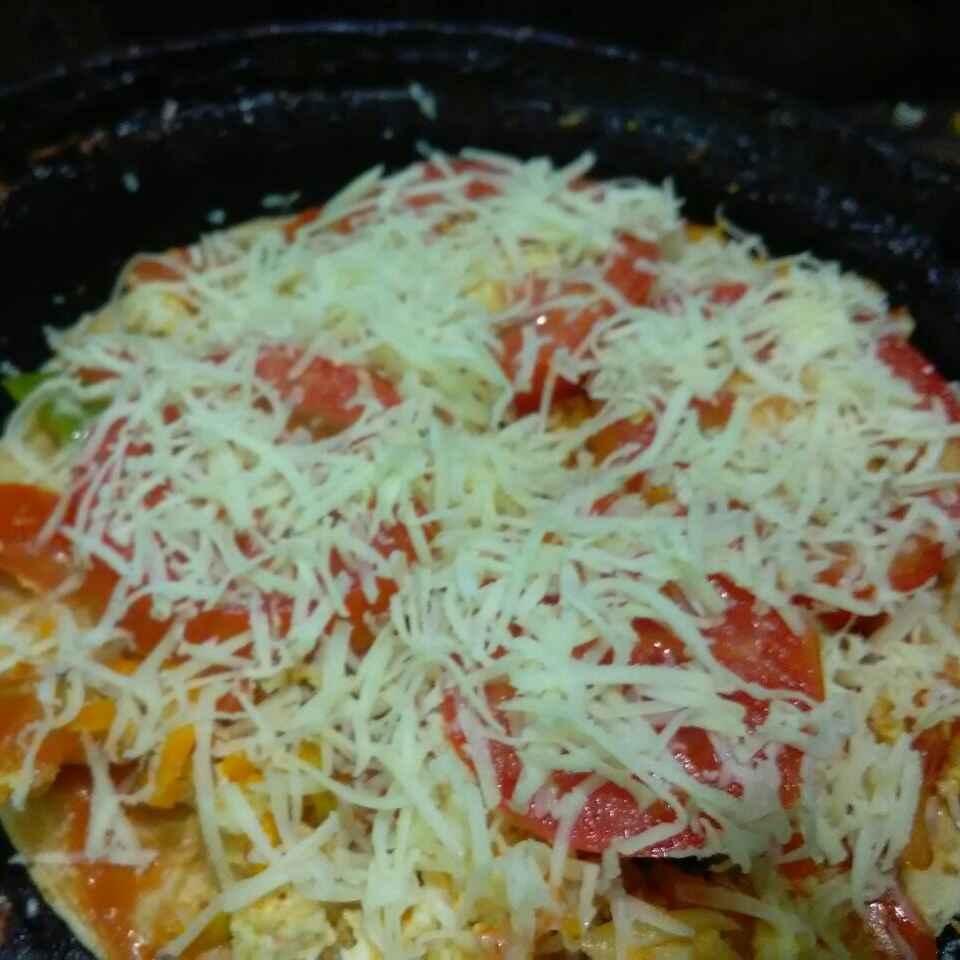 How to make Cauliflower & paneer stuffed chapati pizza