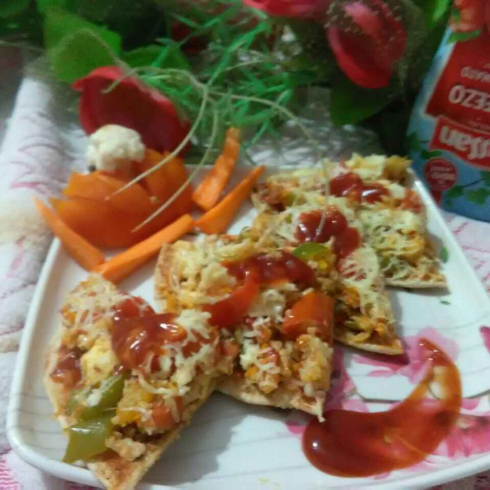 Photo of Cauliflower & paneer stuffed chapati pizza by Ekta Sharma at BetterButter