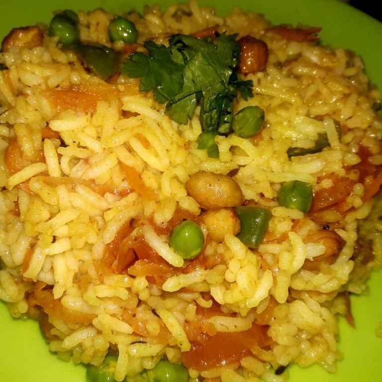 Photo of Leftover rice , butter aur mix vegetable ke saath by Ekta Sharma at BetterButter