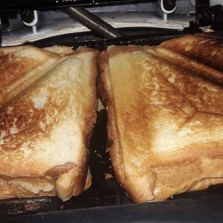 How to make आलू की जल्दी बनने वाली सैनडविच