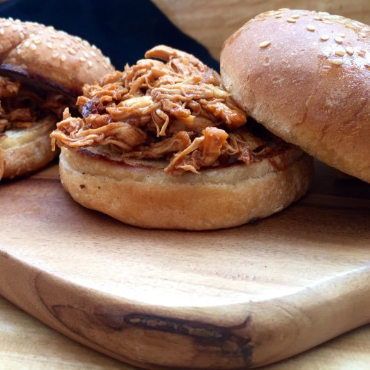 How to make Pulled BBQ chicken sliders