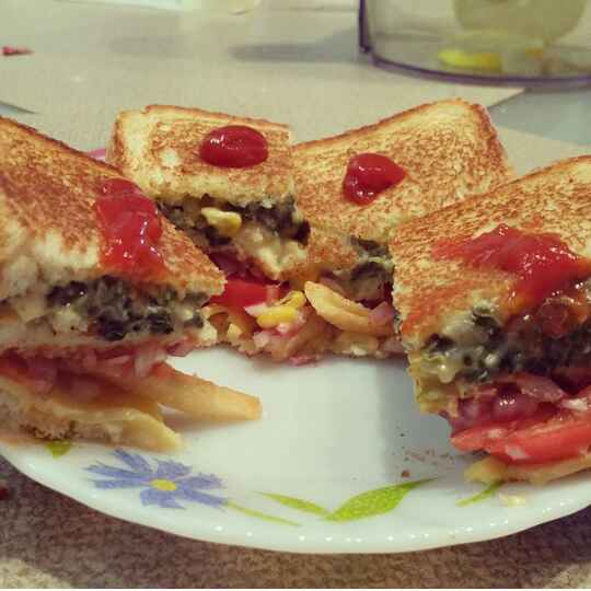 How to make Spinach Corn Double Decker Sandwich