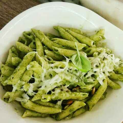 How to make Pasta In pesto sauce