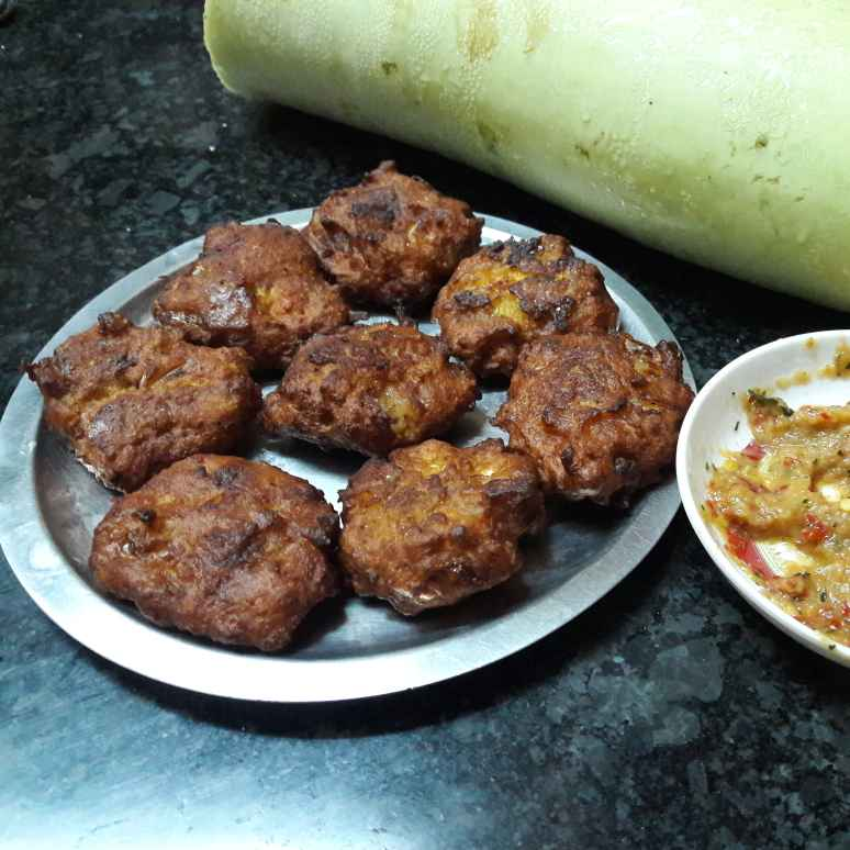 Photo of Bottle gourd paneer fritters by Fathima Beevi at BetterButter