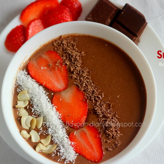 How to make Chocolate Breakfast Smoothie Bowl