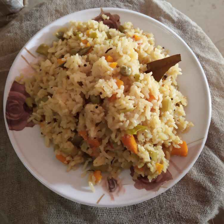 Photo of Vegetable pulav by Gadige Maheswari at BetterButter