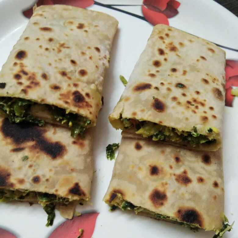 Photo of Spring onions egg chepathi rolls by Ganeprameela  at BetterButter