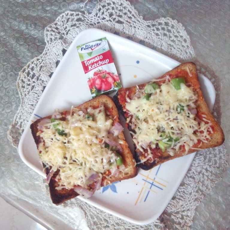 Photo of Bread Pizza by Gayathri Sarma at BetterButter