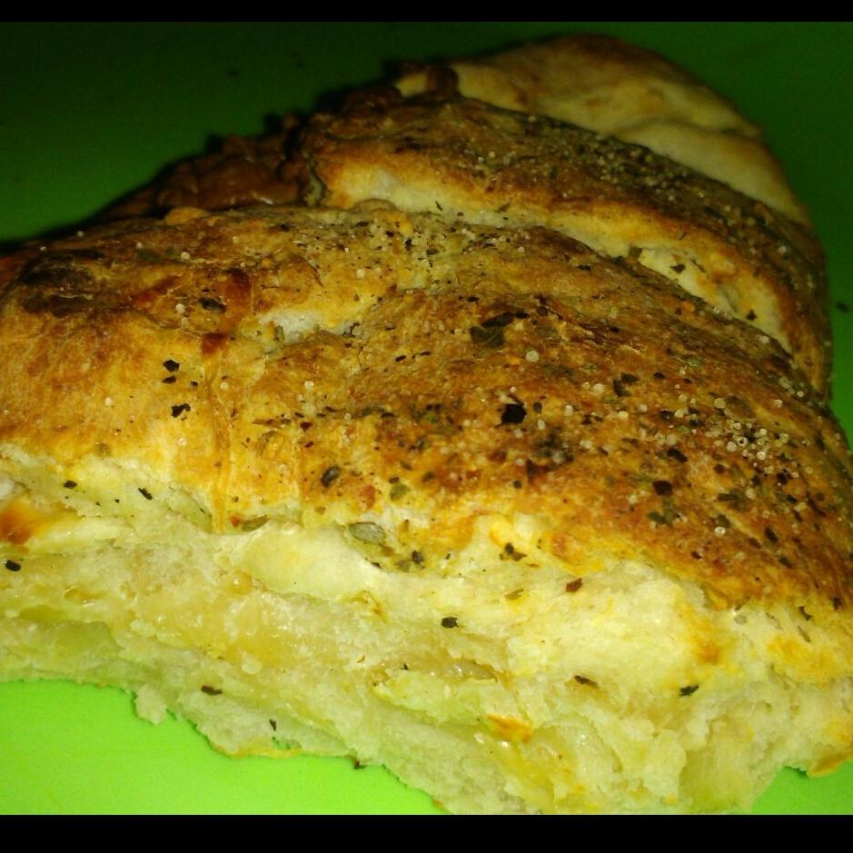 Photo of Domino's Kinda Cheese Garlic Bread by GAZAL UPVEJA at BetterButter