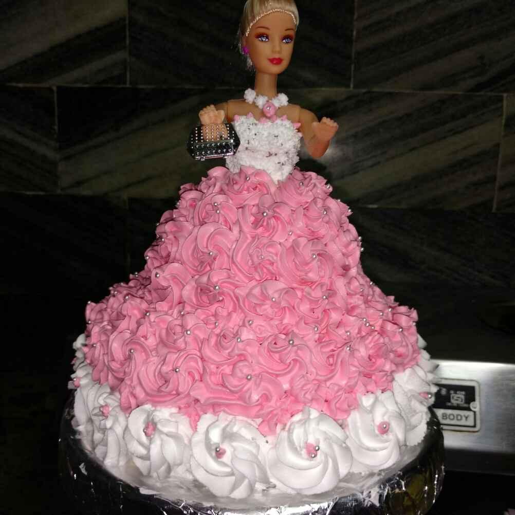 How to make डॉल केक