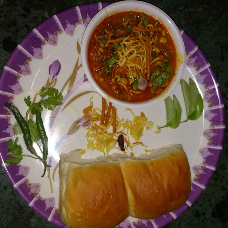 Photo of Misal pav by Geeta Hemit at BetterButter