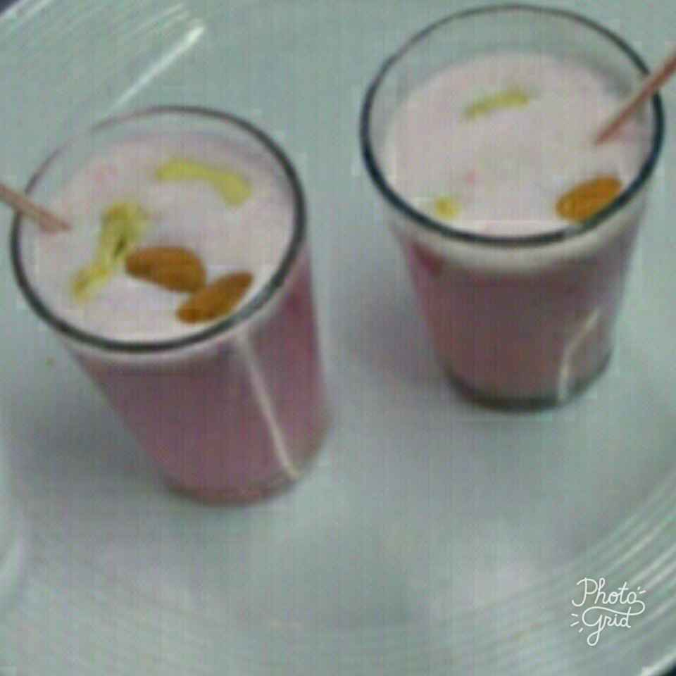 How to make Strawberry shake