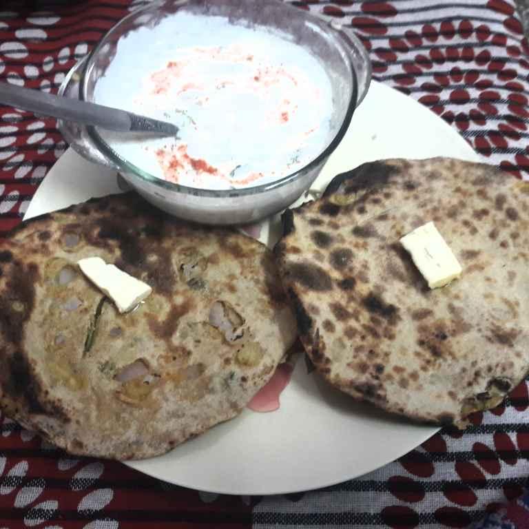 How to make Atta Alloo Kulcha.