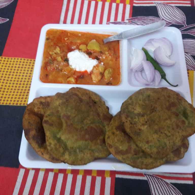 Photo of Palak ki puri by Geeta Khurana at BetterButter