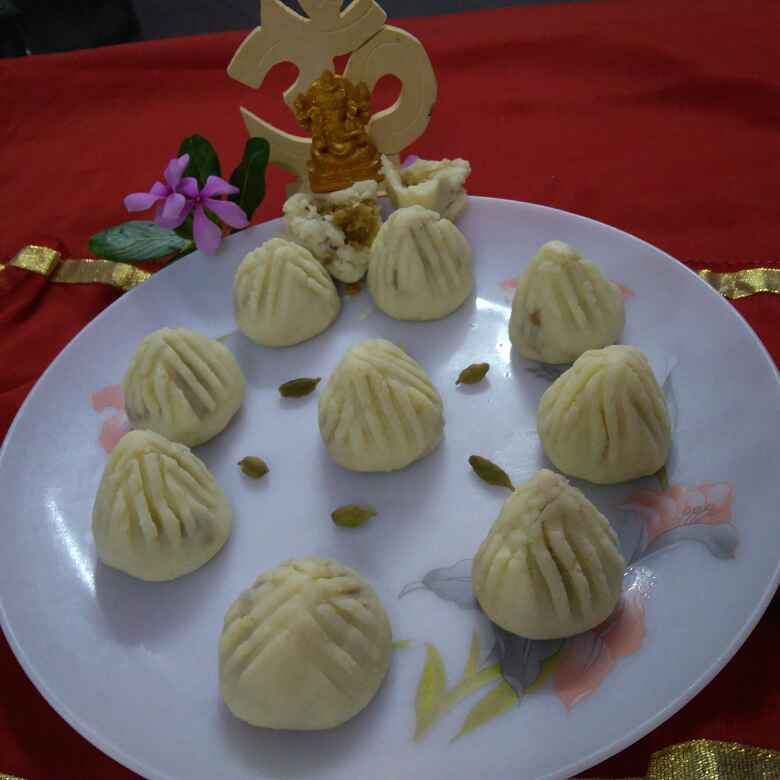 How to make Chenna Modak with the filling of Jaggery, Coconut and Dry fruits