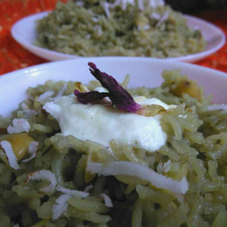 How to make Gur Wale Meethe Chawal with the fragrance of Rose