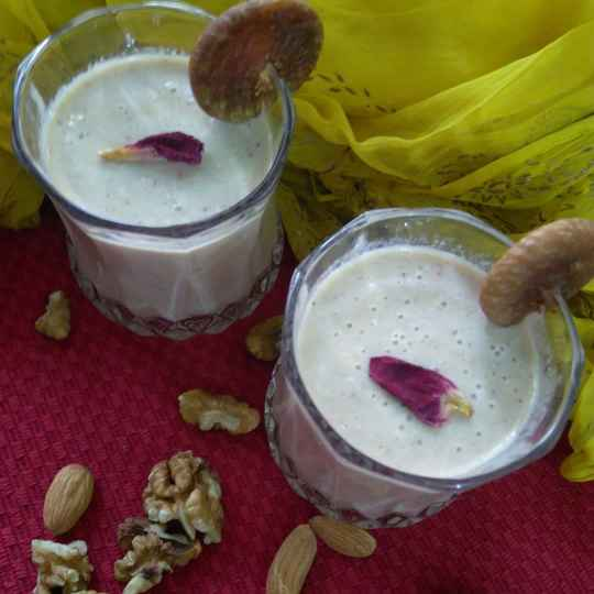 Photo of Dry fruit shake by Geeta Sachdev at BetterButter