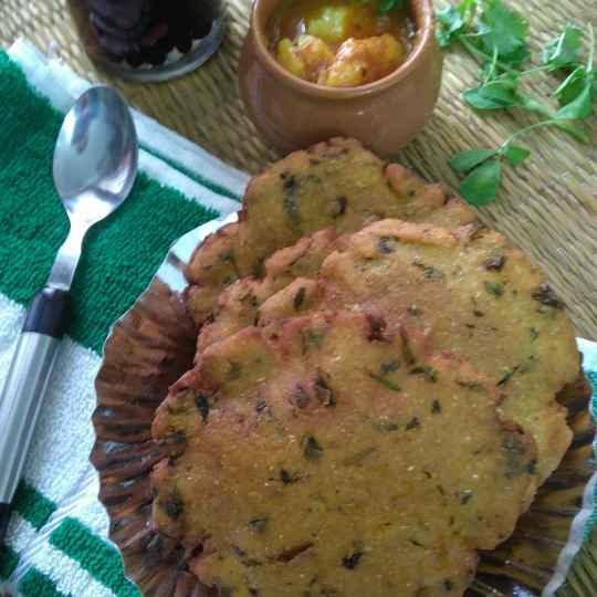 Photo of Methi wali makki ki kachori by Geeta Sachdev at BetterButter