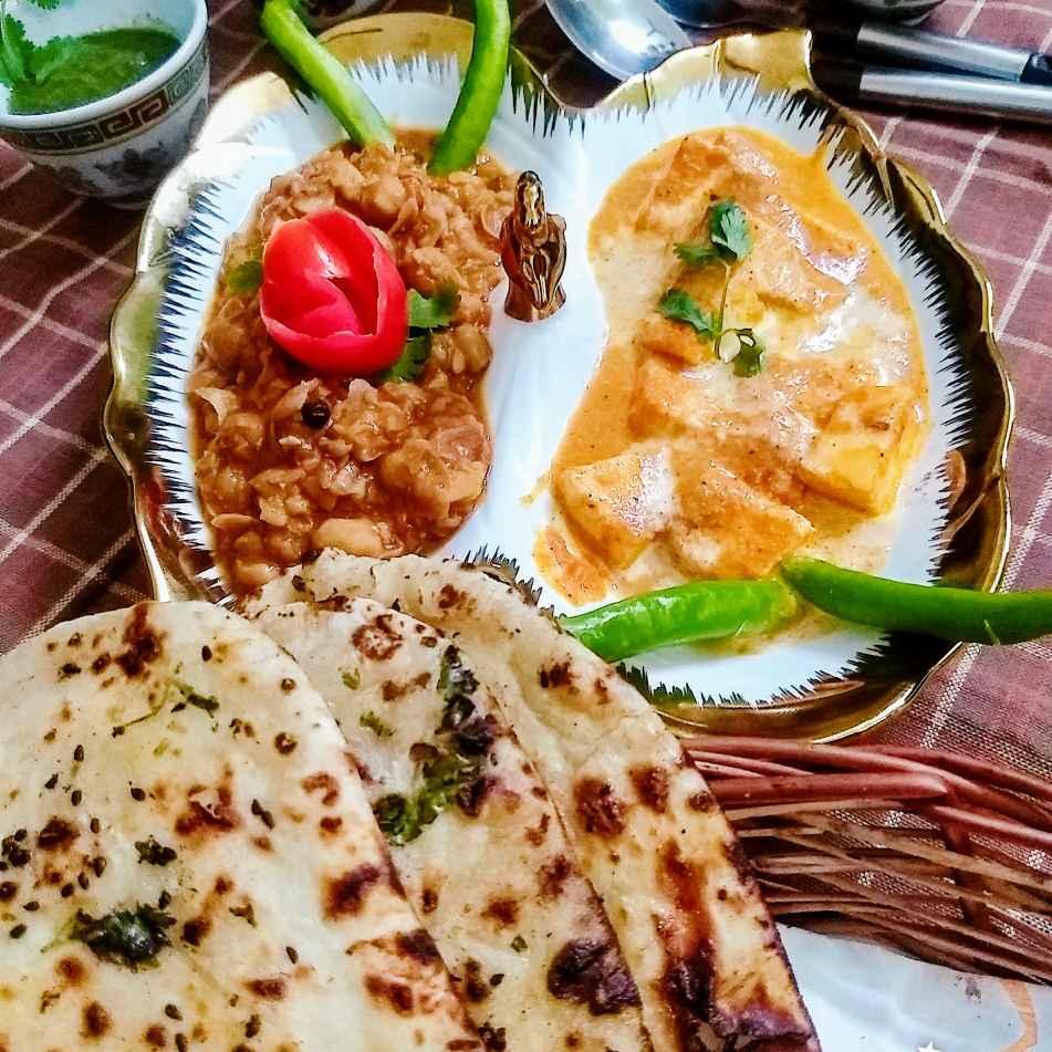 How to make पंजाबी छोले पनीर बटर मसाला और तवा नान