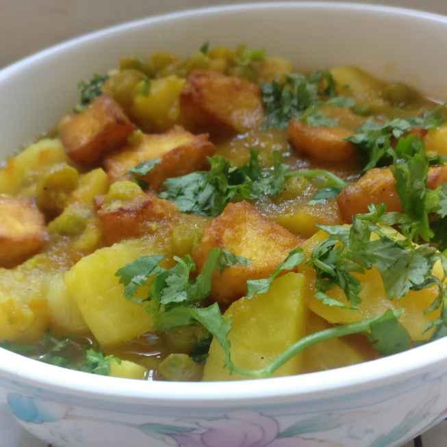 How to make आलू, मटर और पनीर सब्जी