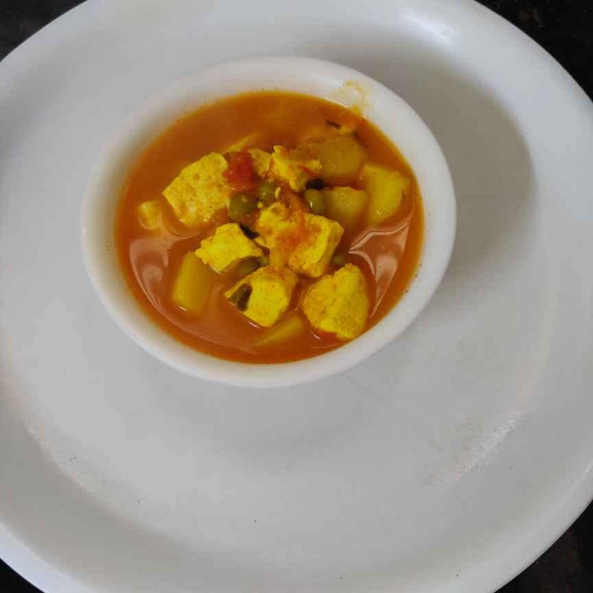 Photo of Aalu matar paneer  by Geeta Virmani at BetterButter