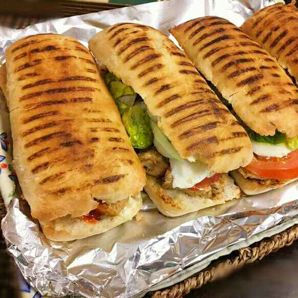 How to make Panini roll chicken with salad dressing