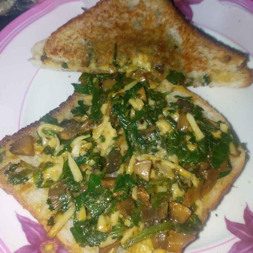 Photo of Cheesy Mushroom Palak Sandwich by Gurpreet Kaur at BetterButter
