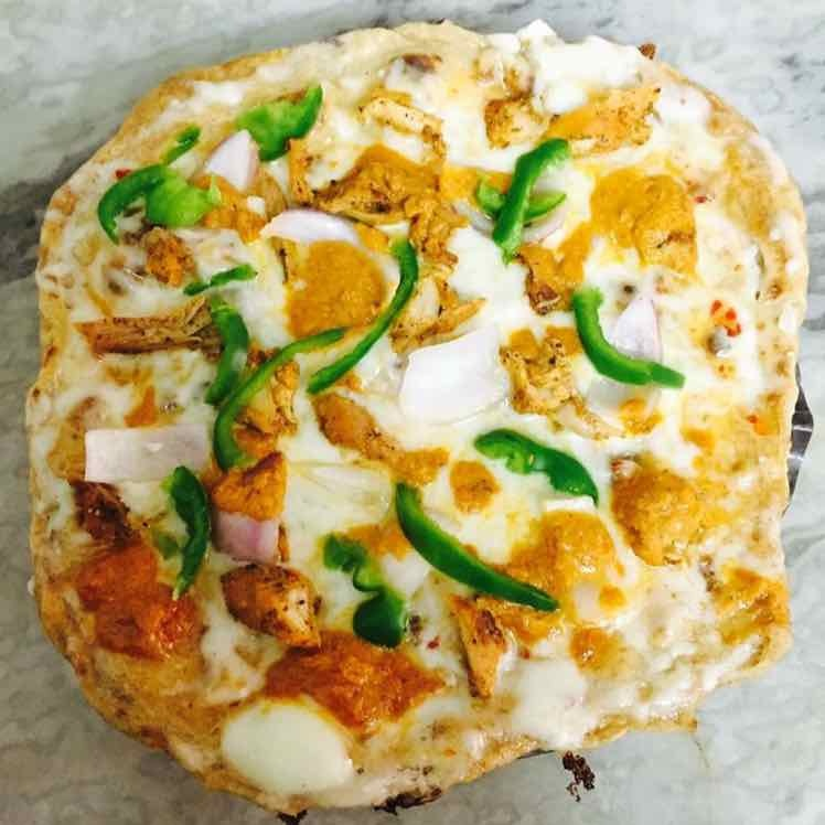 How to make Butter Chicken Thin Crust Pizza