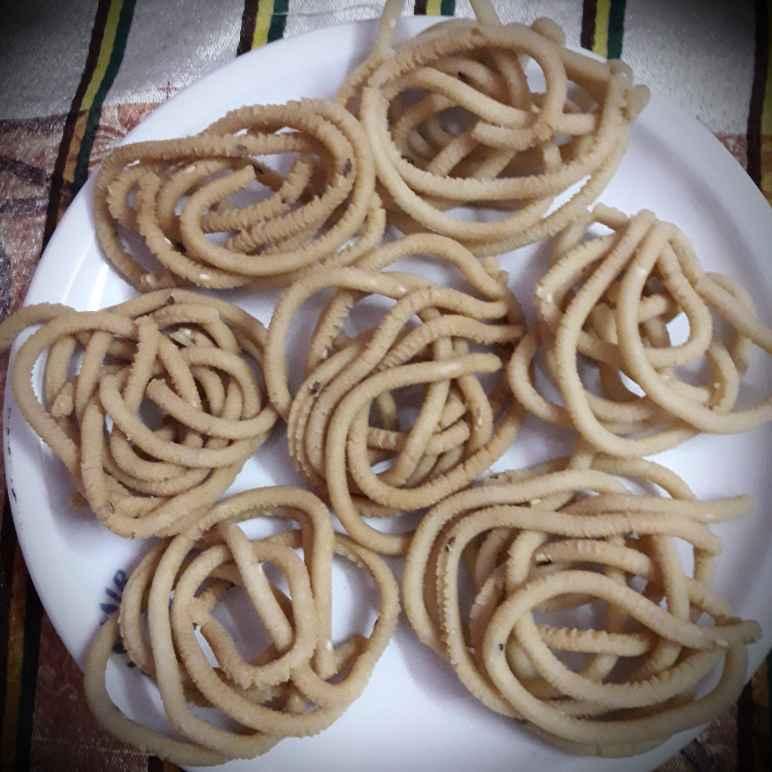 Photo of Wheat arisi Murukku by hajirasheed haroon at BetterButter