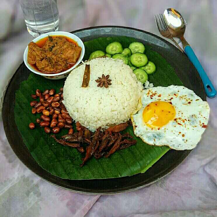 Photo of Malaysian Nasi Lemak with Chicken Rendang by Hameed Nooh at BetterButter