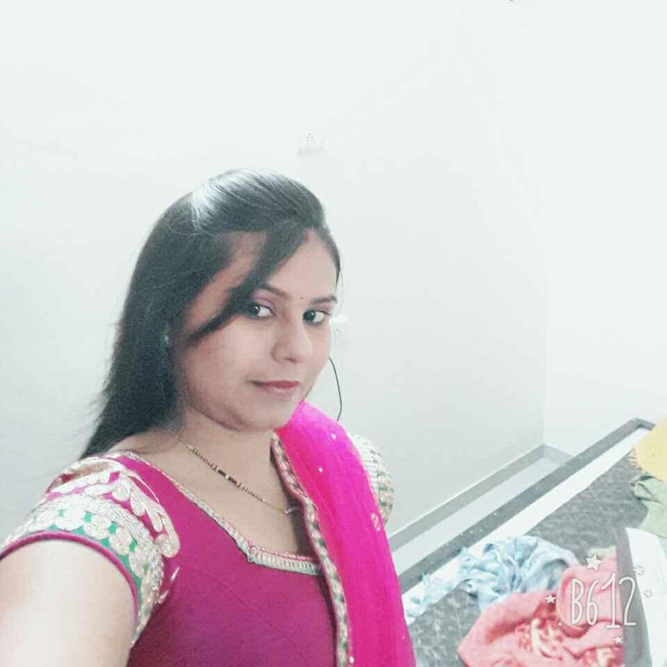 Hanika Thadani food blogger