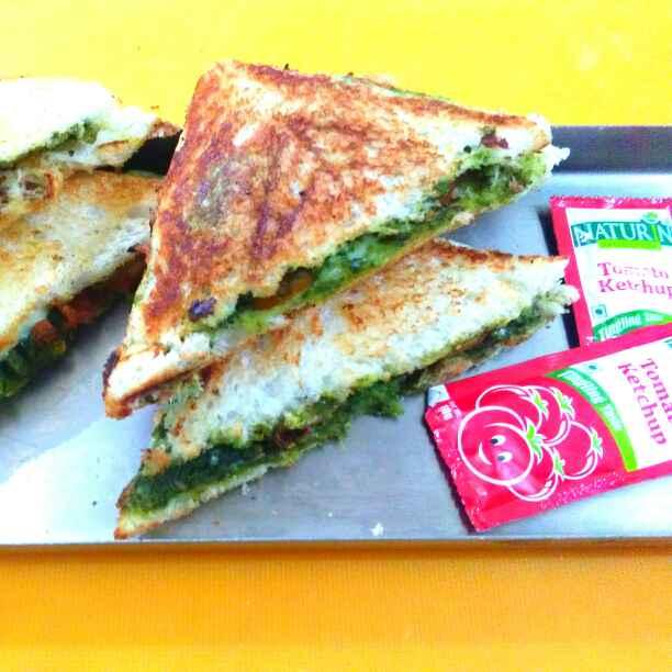 Photo of Green cheesy sandwich by Harsha Israni at BetterButter