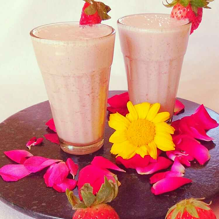 How to make Strawberry smoothie