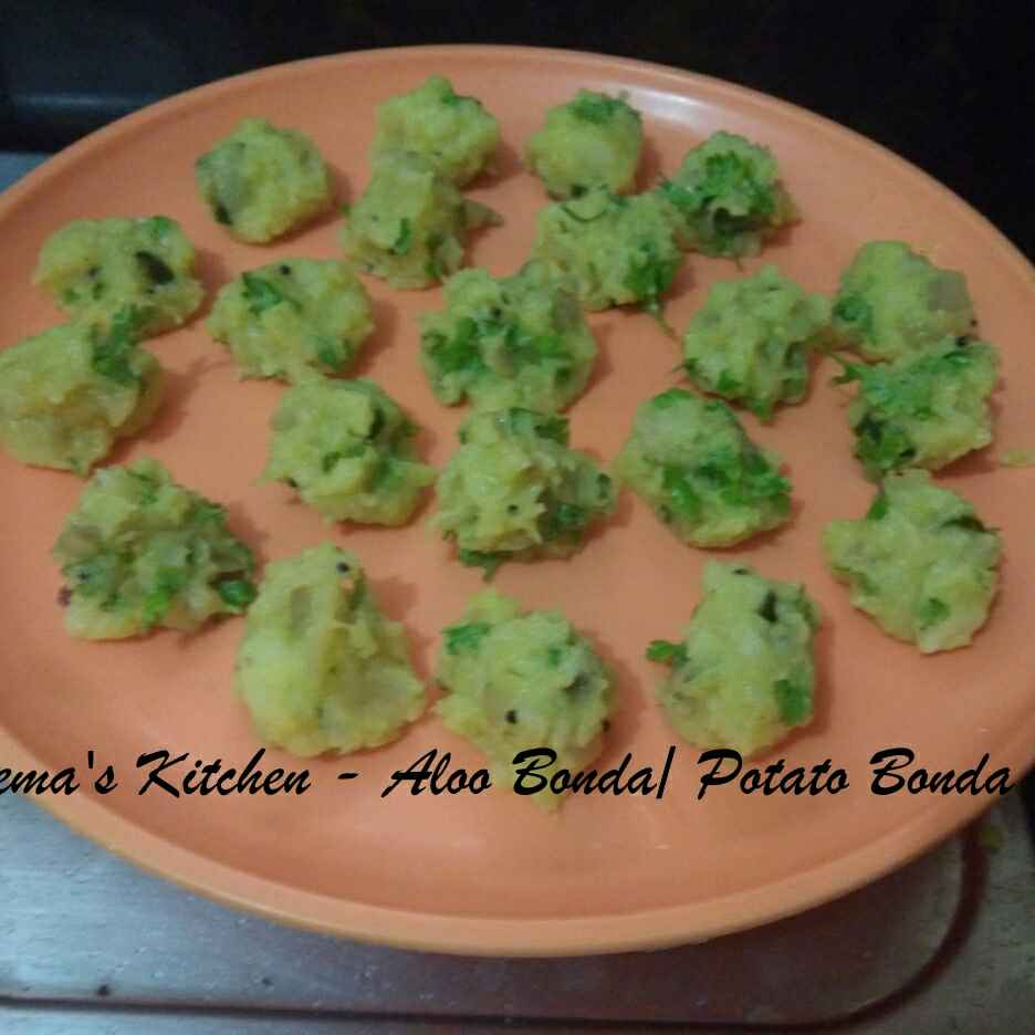 Photo of Aloo Bonda / Potato Bonda by Hema Shakthi at BetterButter
