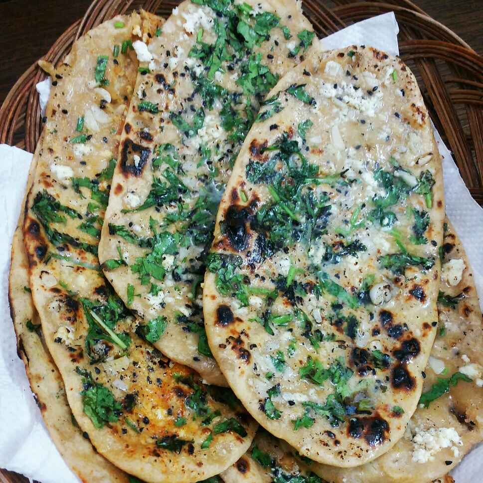 Photo of Whole wheat garlic naan without yeast and tandoor by Hetal Agarwal at BetterButter